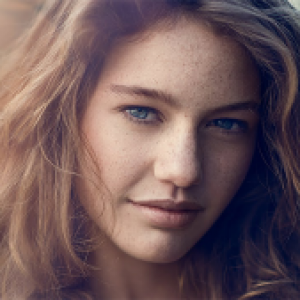 Natural outdoor portrait retouching in Photoshop